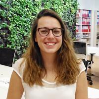 Foto Irene González atención al cliente